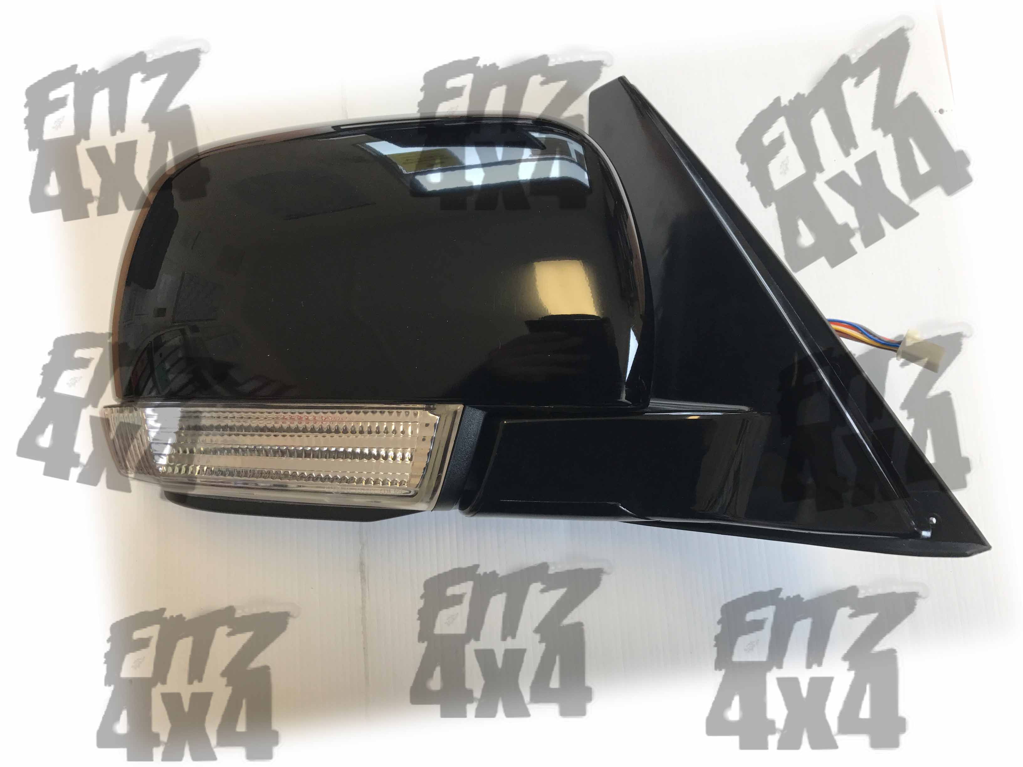 Mitsubishi pajero front right mirror